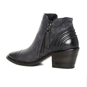 Paul Green Diandra Ankle Booties Black  6.5